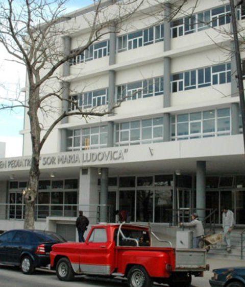 Hospital de Niños: realizaron una cirugía sin precedentes a un bebé de 6 meses